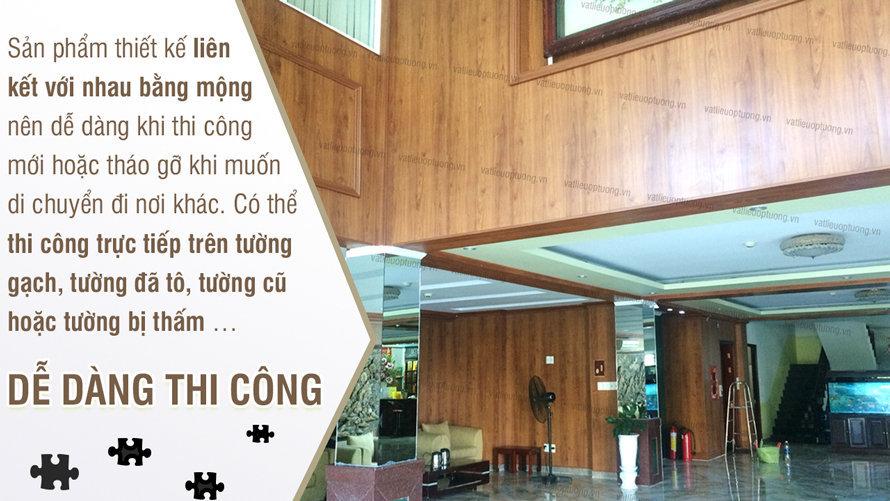 thi-cong-nhua-gia-go-op-tuong-trong-24h